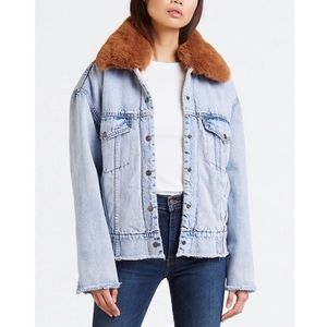 New Oversized Levis Sherpa Trucker jacket w Fur